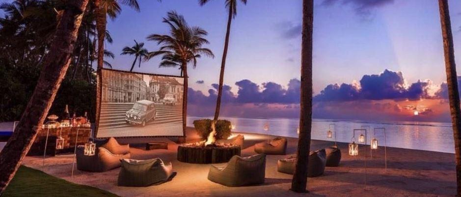 """Beach Cinema ngoài trời trình chiếu những bộ phim """"bom tấn"""" sống độ"""