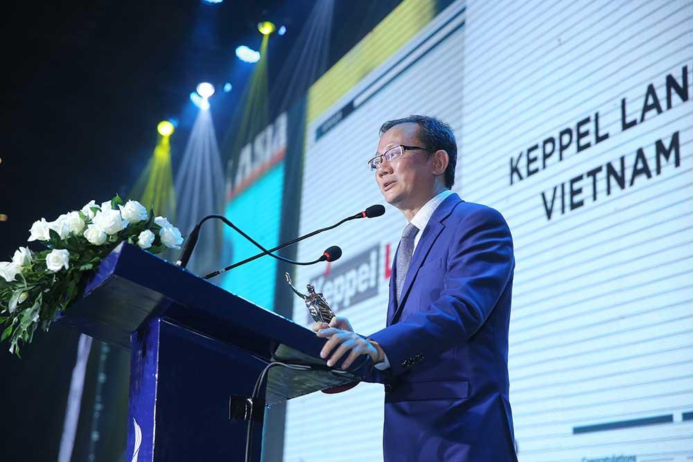 """Tổng giám đốc Joseph Low phát biểu tại lễ trao giải HR Asia Award """" Tại Keppel Land, chúng tôi cho rằng con người chính là tài sản quý giá nhất"""""""