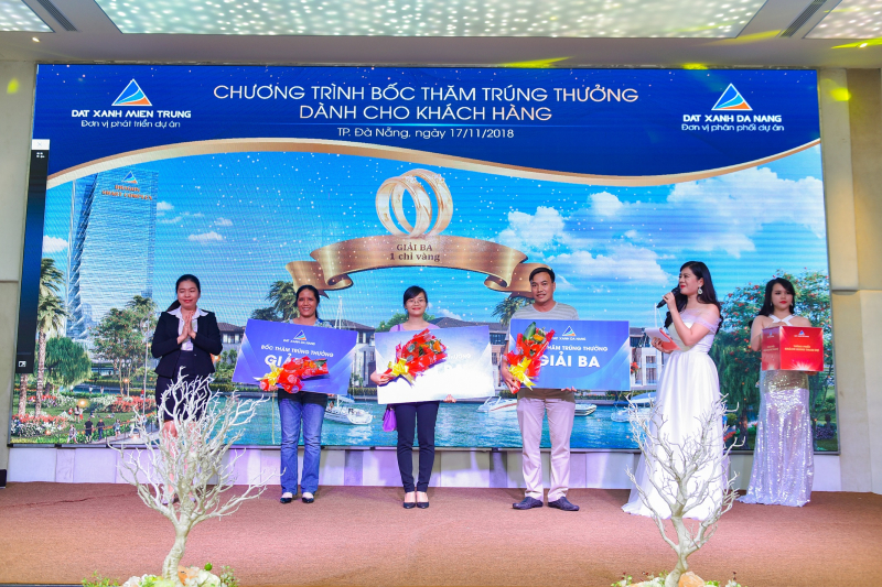 Đất Xanh Miến Trung và Đất Xanh Miền Trung Tại Một Buổi Lễ Mở Bán Tập Trung